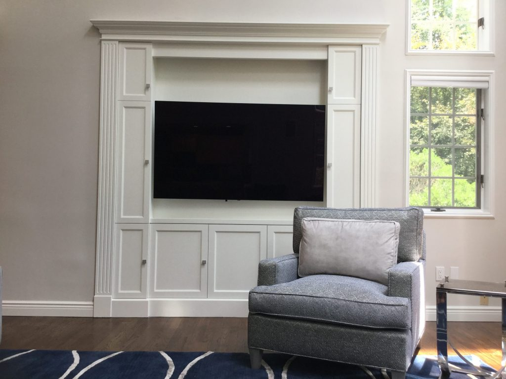 Bedford Family Room: paint, furniture, tv cabinet, lamps and rug